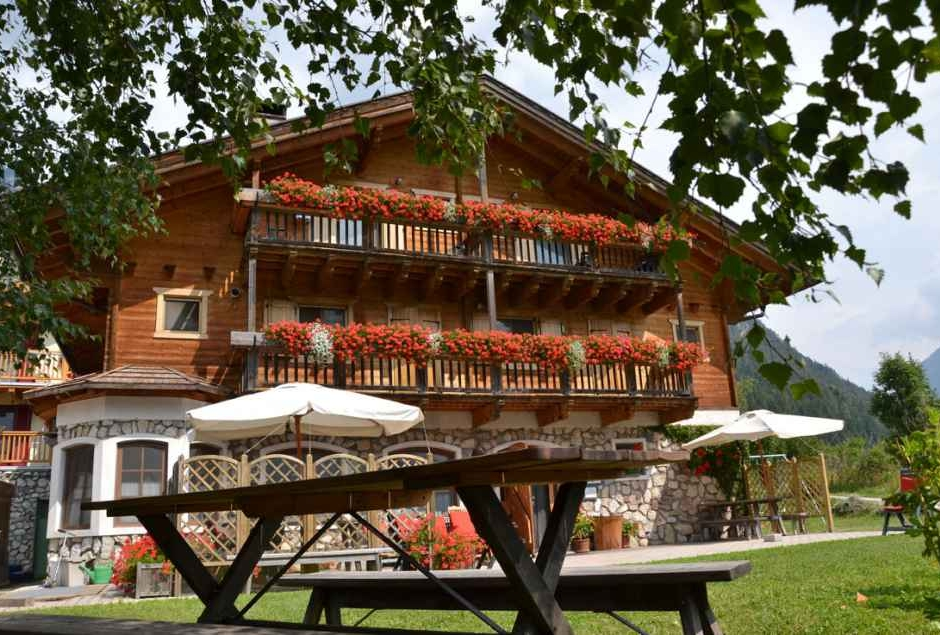 Agriturismo Trentino: Agritur Maso Val Averta, Ziano Di ...