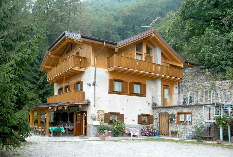 Rural Hospitality in Trentino Agritur Santa Barbara Storo